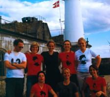 herstories_tshirts_2001 Women down the pub